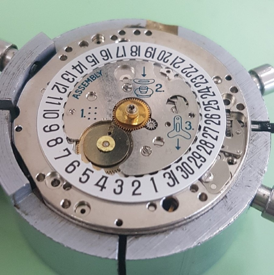 heuer activa 11163 calibre 11 service